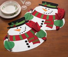Christmas Xmas Snowman Table Party Decor With Napkin Placemat Mat Cutlery Holder Christmas Placemats, Christmas Table Decorations, Christmas Sewing, Decoration Table, Felt Christmas, Christmas Snowman, Christmas Crafts, Holiday Decor, Christmas Holiday