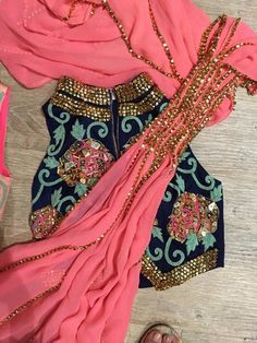 #indian #wedding #fashion #style #women #sari #saree #blouse #design #dress