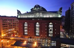 Harold Washington Library - 1991. South Loop in Chicago. Largest public library in the world. Gorgeous winter garden on the 9th floor  ;)