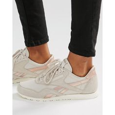 Reebok Classic Sneakers In Nude With Rose Gold Trim (305 SAR) ❤ liked on Polyvore featuring shoes, sneakers, pink, lacing sneakers, leather shoes, reebok trainers, reebok sneakers and leather sneakers