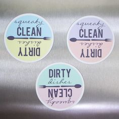 Never mix up those clean & dirty dishes again! Here's a tutorial for how to create your own dishwasher magnets with a FREE printable.