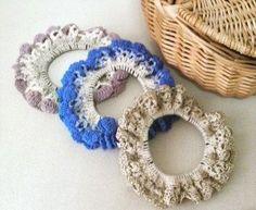 ネット編みのカラーシュシュ♪の作り方|編み物|編み物・手芸・ソーイング | アトリエ|手芸レシピ16,000件!みんなで作る手芸やハンドメイド作品、雑貨の作り方ポータル