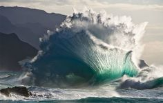 Feinberg photography: Waves collide in spectacular fashion along Kauai's Na Pali coast. Nature Photo Of The Year - American Photo Magazine Photo Of The Month - National Geographic - Aug many others. No Wave, National Geographic Wallpaper, National Geographic Photos, All Nature, Amazing Nature, Nature Pics, Nature Water, Amazing Grace, Outfits Tipps