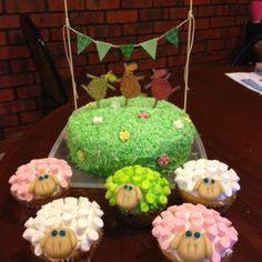 My version of 'Where is the green sheep' cake for my nephews birthday :) Boy First Birthday, Birthday Cake Girls, 2nd Birthday Parties, 4th Birthday, Birthday Cakes, Sheep Cupcakes, Sheep Cake, Christening Cake Boy, Cake Bunting