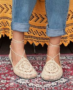 Vegan Crochet Shoes Natural by LuluduDesign on Etsy Crochet Shoes Pattern, Shoe Pattern, Crochet Sandals, Crochet Slippers, Ella Shoes, Ballerinas, Mens Beach Shoes, Crochet Flip Flops, Simply Crochet