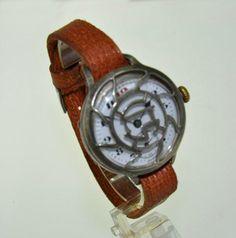 """""""Schützgraben-Uhr"""" WWI Officer's Campaign Trench Wristwatch: http://www.ricardo.ch/kaufen/uhren-und-schmuck/klassische-armbanduhren/herrenuhren/handaufzug/militaer-schuetzengraben-armbanduhr/v/an738521754/"""