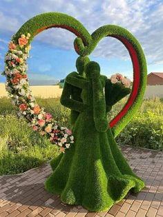 Topiary Garden, Garden Art, Nature Photography, Travel Photography, Beautiful Flowers Garden, Beautiful Scenery, Angel Statues, Formal Gardens, Valentine Special