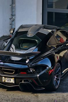 Black #McLaren P1 See more #sports #car pics at www.freecomputerdesktopwallpaper.com/wcarssix.shtml