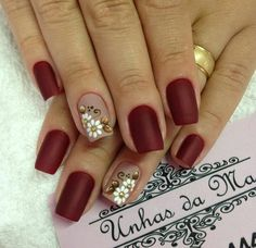 Uñas vinotinto Red Nails, Hair And Nails, Flower Nail Art, Nail Decorations, Cute Nail Designs, Cool Nail Art, Nail Arts, Manicure And Pedicure, Beauty Nails