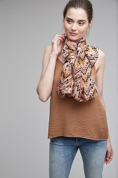 Slide View: 1: Pleated Printed Scarf