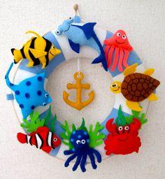 moldes de peces de fieltro (1) 3d Paper Crafts, Felt Crafts, Diy And Crafts, Crafts For Kids, Felt Puppets, Felt Fish, Felt Wall Hanging, Diy Quiet Books, Diy Y Manualidades
