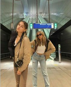 Foto Best Friend, Best Friend Photos, Best Friend Goals, Friend Pics, Look Fashion, Fashion Outfits, Looks Pinterest, Cute Friend Pictures, Neue Outfits