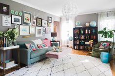 House Tour: A Florist's Fun & Vibrant Charlotte Home | This colorful and eclectic home also serves as a floral studio (so yes, beautiful bouquets abound!).