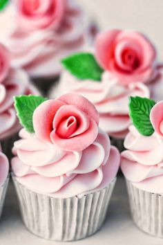 Pink and green rose cupcakes