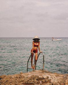 Shop stylish women's swimwear at FABKINI & find tankinis, bikinis, one-piece swimsuits, monokinis & more. Summer Dream, Summer Of Love, Summer Beach, Summer Feeling, Summer Vibes, Summer Days, Foto Fashion, Nyc Fashion, Hijab Fashion