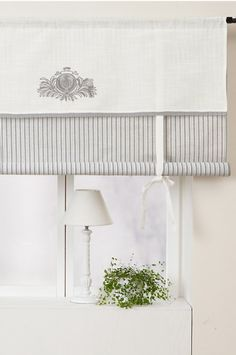 white and gray romantic roll-up curtain