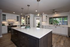 Kitchen Remodeling Contractor After4 Hochuli Design and Remodeling Team completed kitchen remodel in tempe, az