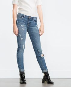 Image 2 of DESTROYED JEANS from Zara