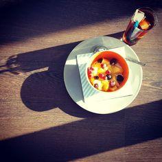 Everything great starts with coffee... #ontbijtje #mooiweer #tropischetuesday #tropischetemperaturen #coldbrew #nazomer #zomerseweer #maareerstkoffie #butfirstcoffee #fika #koffietje #myespressocoffee #insta_coffee #coffeeshots #baristalife #coffeelover