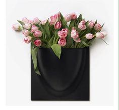 Produkten Vertiplants svart säljs av Butikrufft 600 produkter har vi så se under ALLA FLIKAR all items fliken visar bara 100st..... i vår Tictail-butik. Tictail låter dig skapa en snygg nätbutik helt gratis - tictail.com Elle Decor, Vase, Vases, Jars