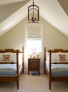 Cottage decor: Bedroom | Katie Ridder