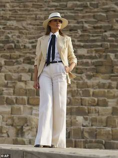 First Lady Melania Trump is mocked for Egypt outfit that looks like Colonel Sanders Jackie Kennedy, Travel Clothes Women, Clothes For Women, Melania Knauss Trump, Ivanka Trump Style, Gizeh, Zara, Standing Poses, First Lady Melania Trump
