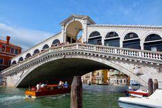Vårt första besök i Venedig gav verkligen mersmak. Så mycket fint att se och en härlig stämning bland kanaler, broar och gondoler.