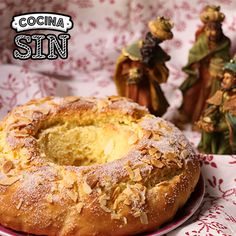 ¿Cómo se hace un Roscón de Reyes sin gluten, sin leche, sin huevo y sin frutos secos? Entra en Cocina Sin para descubrirlo. Dairy Free, Gluten Free, Reyes, Vegan Desserts, Nutrition, Sweets, Bread, Christmas, Food