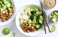 Teriyaki kylling med ris og grøntsager - få opskrift her A Food, Food And Drink, Teriyaki Sauce, Edamame, Chicken Recipes, Chicken Meals, Nom Nom, Recipies, Dinner