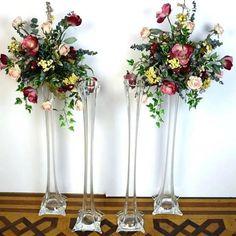 Tall Wedding Centerpieces, Glass Centerpieces, Wedding Vases, Centerpiece Decorations, Wedding Flowers, Diy Flower Centerpieces, Ostrich Feather Centerpieces, Head Table Wedding, Beach Flowers