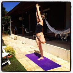 Check out the amazing Tree Pose by Nelcy Del Grossi; yoga pose performed at Atibaia, Brazil on YogaTrail; the World's Yoga Network. Easy Weight Loss, Healthy Weight Loss, Basic Yoga Moves, Reduce Weight, Lose Weight, Join A Gym, How To Start Yoga, Yoga At Home, Yoga Benefits
