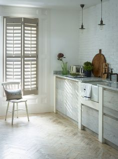 Stylish modern shutters to fit the length of your window. Our range of full height shutters are one of our most sought-after styles. Cafe Style Shutters, Kitchen Shutters, Wooden Window Shutters, Interior Window Shutters, White Shutters, Interior Design Degree, Home Interior Design, Interior Styling, Shutters Inside