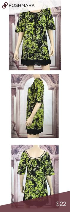 """Cocktail Dress Sz S Cotton Lace Black Green Floral MODA International  Women's Tunic / Shift Dress  Sz S  100% Cotton  Scoop Neckline with Drawstring Tie Short Sleeves Side Zip Closure Lace Bottom Hem Black + Lime Green  Floral Print  Measurements (lying flat - Unstretched): Chest:  18"""" Inseam:  24"""" Waist:  17"""" Hips:  18.5"""" Overall Length:  32"""" Moda International Dresses"""