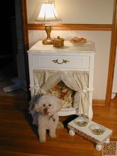 16. Fit for a #Princess - 31 DIY Pet Beds for Your Furry #Friends ... → DIY #Leggy