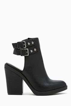 Shoe Cult Kade Cutout Bootie Have wanted these FOREVER just so u all know im a shoe size 8 ;)