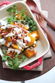 かぼちゃとベーコンナッツのチーズドレッシングサラダ。 by 栁川かおり 「写真がきれい」×「つくりやすい」×「美味しい」お料理と出会えるレシピサイト「Nadia | ナディア」プロの料理を無料で検索。実用的な節約簡単レシピからおもてなしレシピまで。有名レシピブロガーの料理動画も満載!お気に入りのレシピが保存できるSNS。