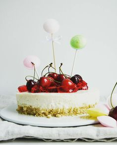 Bunte Joghurt-Torte / Yoghurt Cake; laktosefrei/lactosefree *Hummelsüß* http://hummelsuess.blogspot.de/2016/06/nochmal-kind-sein.html