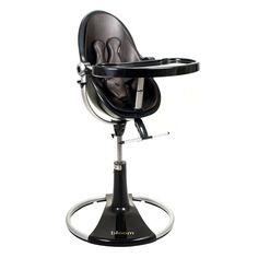 Chaise haute Fresco Loft avec châssis noir BLOOM 409€ C'est la chaise haute FRESCO de couleur noire avec une finition simili cuir qui lui donne encore un peu plus de cachet. Utilisable de la naissance à environ 6 ans C'est la chaise haute évolutive et design.