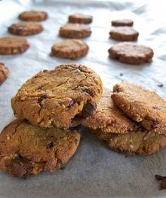 Cookies z cizrny a arašídového másla