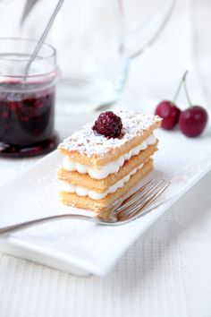 Almond mille feuille with mascarpone cream and berries ☆