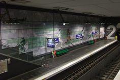 Villejuif - Léo Lagrange. Ligne 7.    Station décorée sur le thème du sport .