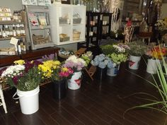 fresh cut loose flowers!!  #customorders #thebloomingwillow