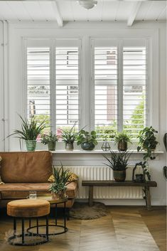 Shutters jaloezieën op maat - perfection in every detail White Shutters, Diy Shutters, Interior Shutters, Boho Living Room, Cozy Living, House Rooms, Home Interior Design, New Homes, Home Decor