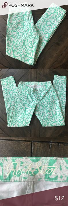 Old Navy Rockstar Mint Pants Old Navy Rockstar printed pants. Size 8. Perfect condition! Super cute woodblock Green print pattern!! Make an offer! Old Navy Jeans Skinny
