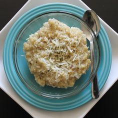 PARMESAN GARLIC QUINOA (you'll never eat mac & cheese again!)