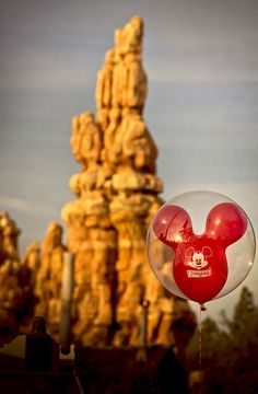 Thunder Mountain - On a photography's POV,I LOVE balloon pictures like this. I took some at the park. Love em! (;