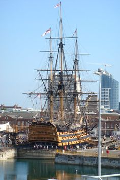 Portsmouth England, Old Sailing Ships, Navy Day, Hms Victory, Man Of War, Naval History, Wooden Ship, Tug Boats, Navy Ships