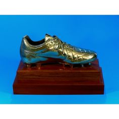 Real soccer boot that has been plated and mounted on a heavy wood base. Perfect as a golden boot award for a soccer player! Trophies And Medals, Real Soccer, Soccer Boots, Soccer Players, Cleats, Awards, Base, Wood, Cleats Shoes