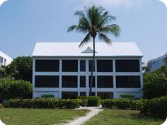 Sanibel Holiday Ü Monthly vacation home rentals on Sanibel Island, Florida