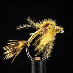 Olive & Brown Emerger! Arizona  Synthetic dubbing from @flyfishfood adds just enough shimmer to the thorax. #EbbsForceFlies #bigfishfood #mnmadeflies #flyfishfood #emerger #cdc #flytying #tyingflies #flytyingjunkie #flytyingaddict #flyfishingonly #flyfishing #loonoutdoors#customblenddubbing